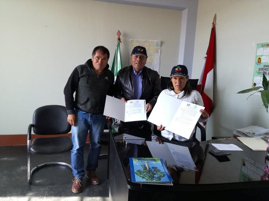 Firma de convenio en Municipalidad de Challga- Leoncio Prado-Huánuco, una estrategia de articulación de políticas públicas locales, con los proyectos de desarrollo, llevados a delante en esta zona por DETEC.